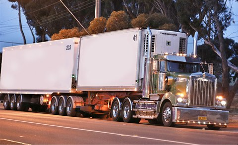 Truck travelling through Horsham.jpg